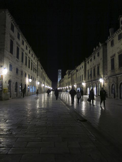 stradun-night